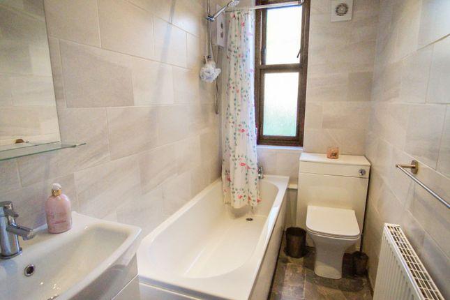 Bathroom of Hepburn Street, Dundee DD3