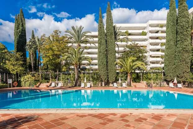 Apartment for sale in Don Gonzalo, Marbella Golden Mile, Costa Del Sol