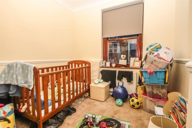 Bedroom of Winton Hall, Westcliff Avenue, Westcliff-On-Sea SS0