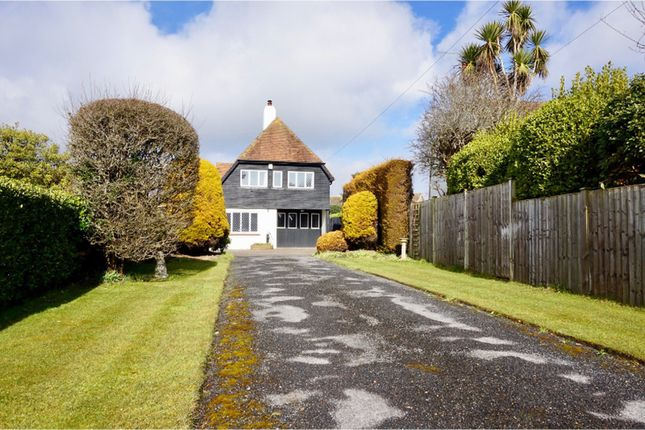3 bed detached house for sale in Old Point, Middleton-On-Sea