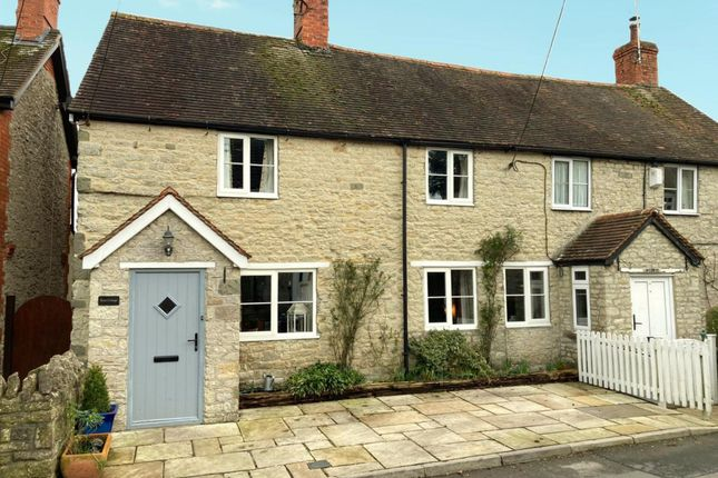 Thumbnail Cottage for sale in Water Street, Mere, Warminster
