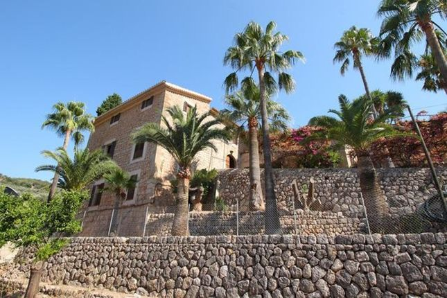 Villa for sale in Fornalutx, The Balearics, Spain