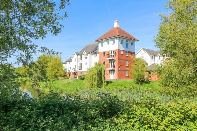 Thumbnail Flat for sale in Victoria Chase, Colchester
