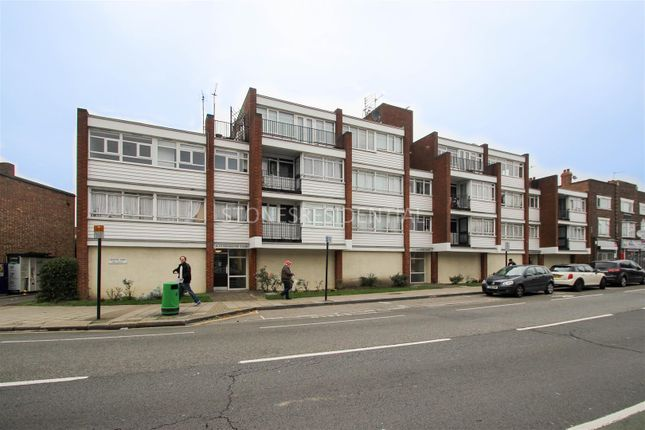 1 bed flat for sale in Chichester Court, Edgware