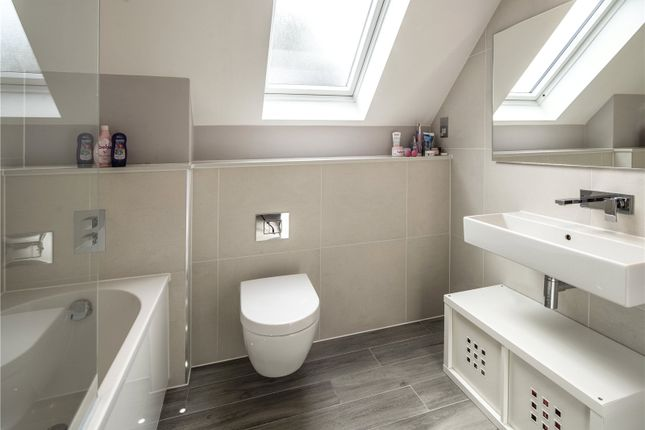 Ensuite Bathroom of Dinton Road, Kingston, Surrey KT2