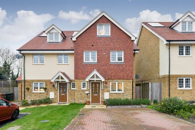 Thumbnail Town house to rent in South Tadworth Farm Close, Tadworth