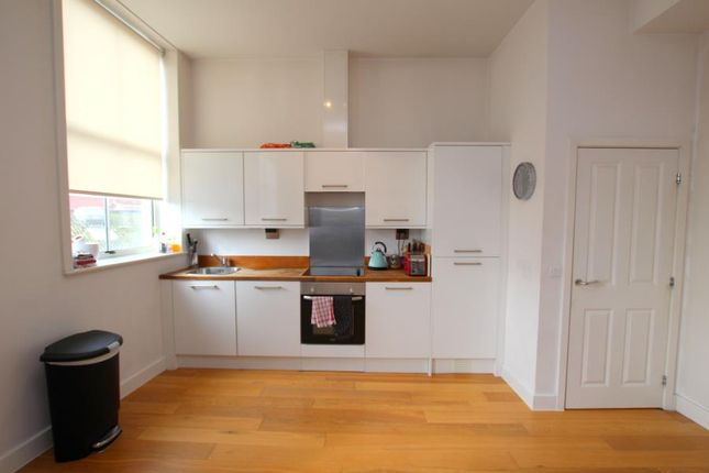 Thumbnail Flat to rent in Duckmoor Road, Bristol
