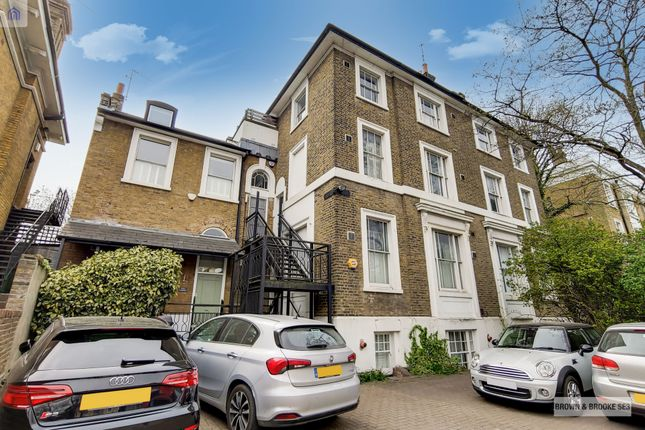 2 bed flat for sale in Shooters Hill Road, Blackheath SE3