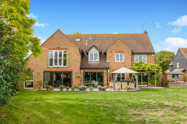 Thumbnail Country house for sale in Common Road, Great Wakering, Southend-On-Sea