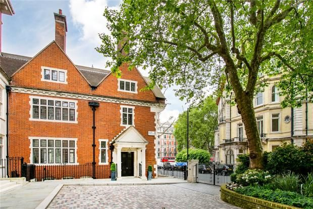 7 bedroom property for sale in Lygon Place, Belgravia, London