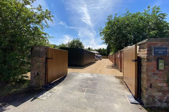 Thumbnail Barn conversion to rent in Altrincham Road, Styal, Cheshire