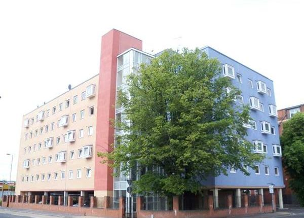 Main Picture of Chapel Annexe, 8 Anglesea Terrace, Southampton SO14