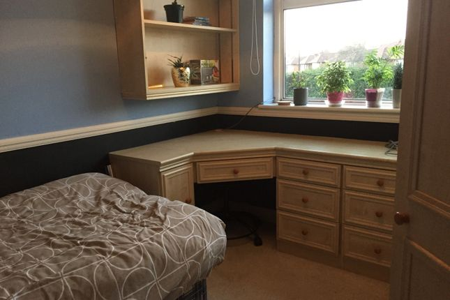Thumbnail Shared accommodation to rent in Sussex Way, Enfield