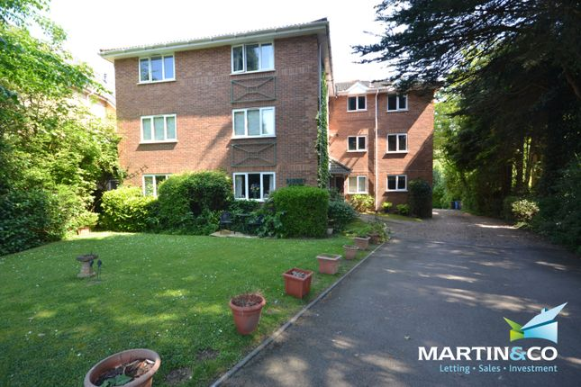 2 bed flat to rent in Surrey Road, Poole