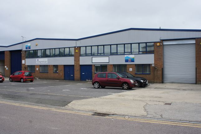 Thumbnail Industrial to let in Unit 6&7 Isis Trading Estate, Shrivenham Road, Swindon