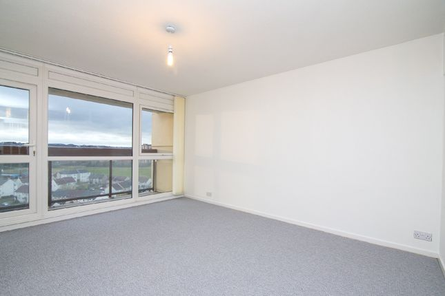 Thumbnail Flat to rent in Ravens Craig, Kirkcaldy