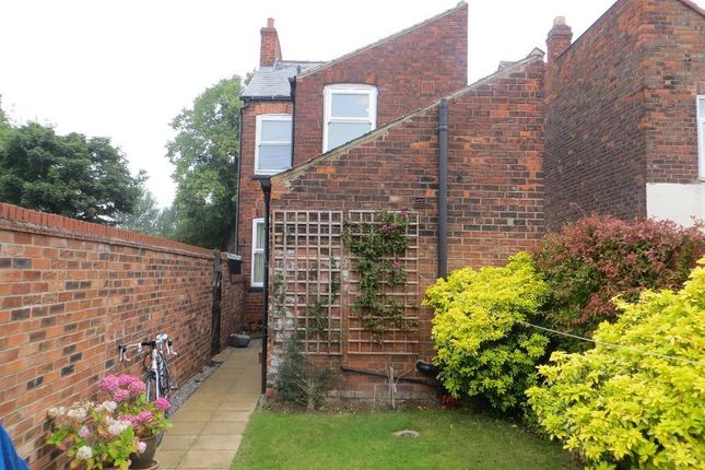Thumbnail Detached house to rent in Ella Street, Hull