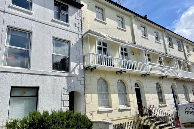 2 bed flat to rent in York Road, Tunbridge Wells, Kent TN1