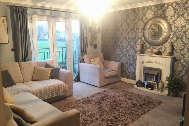 Thumbnail Flat to rent in Tobermory Close, Slough