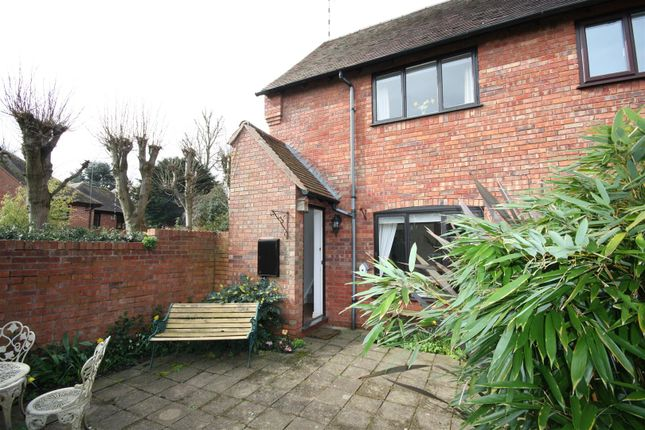 2 bed end terrace house to rent in School Road, Henley-In-Arden B95