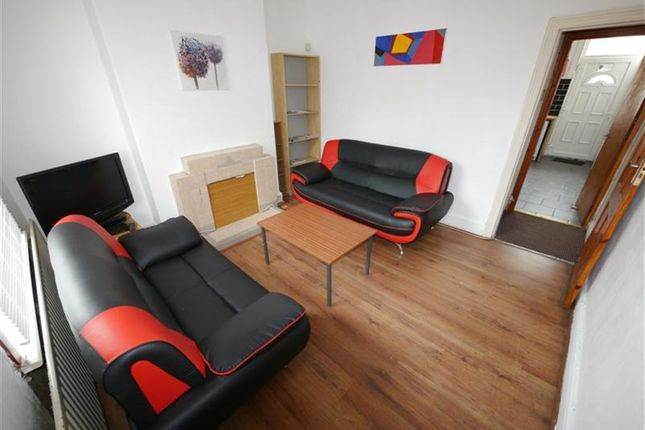 Thumbnail Property to rent in Harold Grove, Hyde Park, Leeds