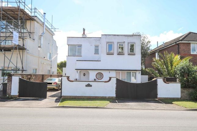 Thumbnail Detached house for sale in Bracklesham Road, Hayling Island