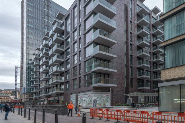 Thumbnail Flat for sale in Silk House, Goodmans Fields, Aldgate, London