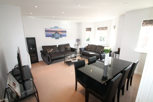 Flat to rent in Wiltshire Place, Wokingham