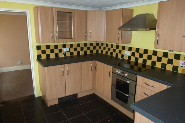Thumbnail Semi-detached house to rent in Horseshoe Terrace, Wisbech, Cambs