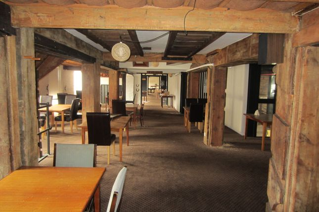 Leisure/hospitality to let in Former Granary Restaurant, Haven Mill, Garth Lane, Grimsby