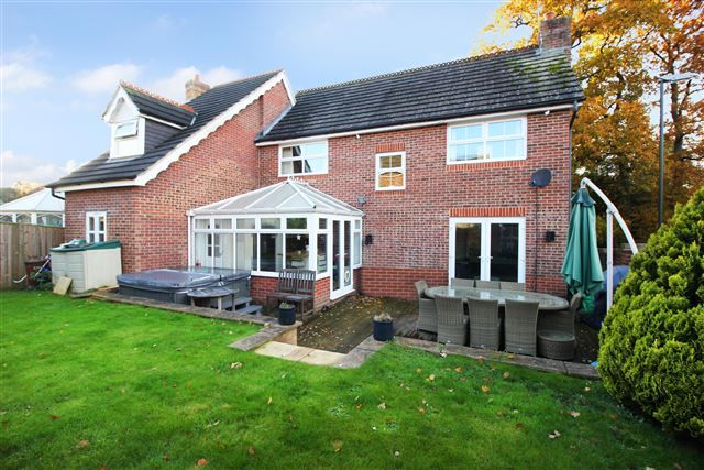 Thumbnail Detached house for sale in Tanyard Close, Maidenbower, Crawley