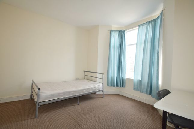 Thumbnail Flat to rent in Moy Road, Cardiff