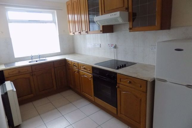 2 bed flat to rent in Mill Street, Gowerton, Swansea SA4