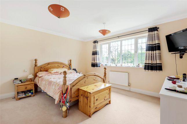 Picture No. 07 of Manor Way, Chesham, Buckinghamshire HP5