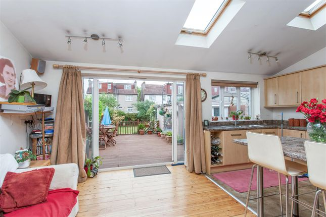 Thumbnail Property for sale in Somerset Avenue, West Wimbledon
