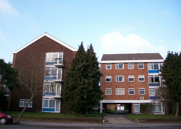 Flat to rent in St. Augustines Avenue, South Croydon