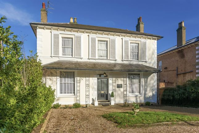 Thumbnail Detached house for sale in Avenue Road, Leamington Spa, Warwickshire