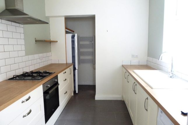Kitchen of Thoresby Street, Hull HU5
