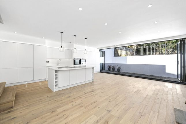Thumbnail Flat for sale in Rochester Road, London