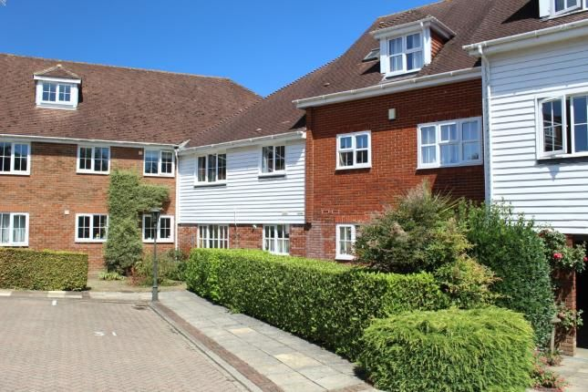 Thumbnail Flat for sale in Little Park, Wadhurst, East Sussex