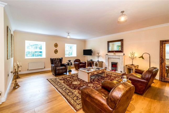 3 bed flat for sale in Newitt Place, Southampton, Hampshire SO16