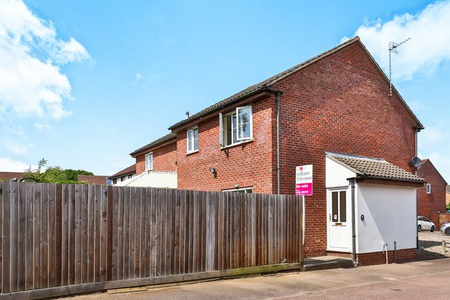 Thumbnail Property for sale in Grove Close, Scarning, Dereham