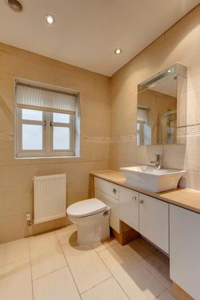 Master En-Suite of Kiveton Lane, Todwick, Sheffield S26