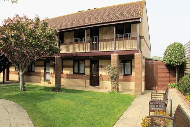 Thumbnail Flat to rent in Berkeley Court, 25 Elmore Road, Lee-On-The-Solent, Hampshire