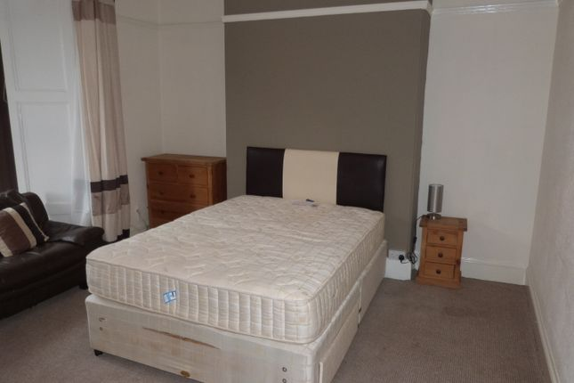 Thumbnail Room to rent in Alexandra Place, Mutley, Plymouth