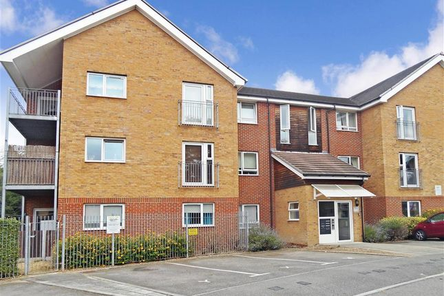 Thumbnail Flat for sale in Victoria Court, Basildon, Essex