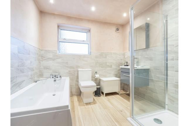 Bathroom of Sumner Road, Salford, Greater Manchester M6