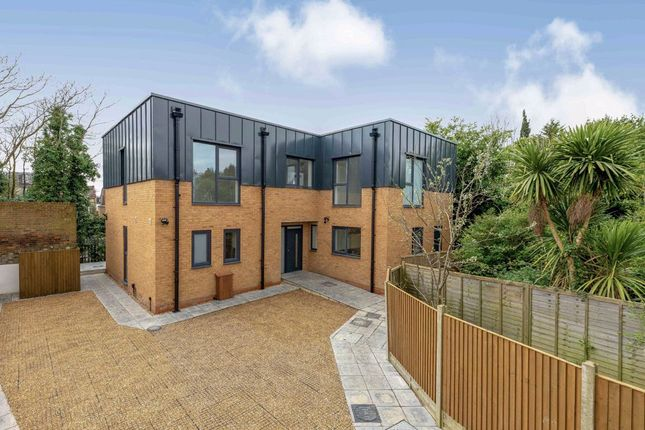 Thumbnail Property to rent in St. Leonards Road, London