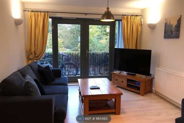2 bed flat to rent in Cornwall Road, London N15
