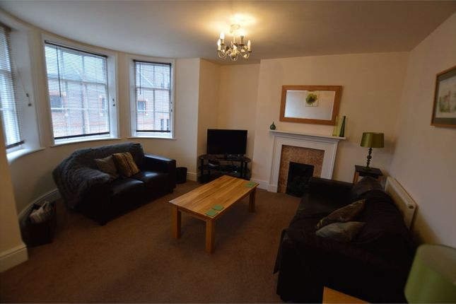 Thumbnail Flat to rent in York Place, Scarborough